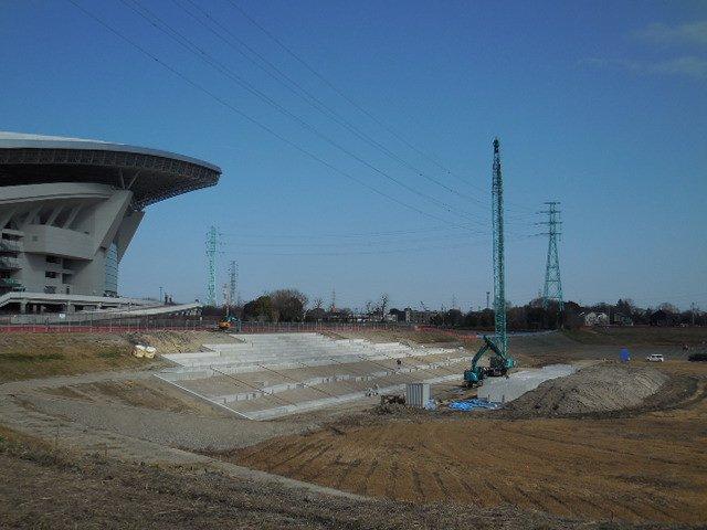 調整池の階段護岸工事 埼玉スタジアム
